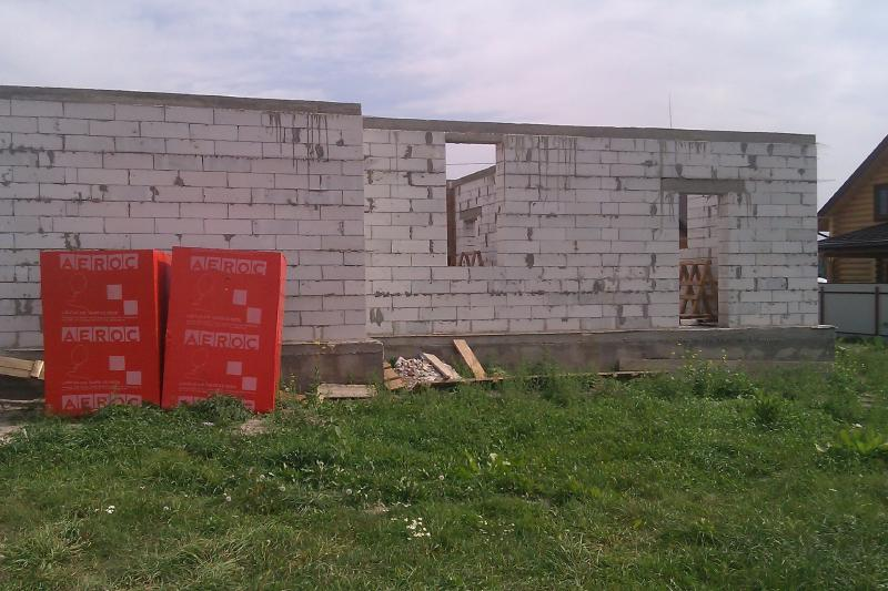 Строительства дома из газобетона. Вид справа