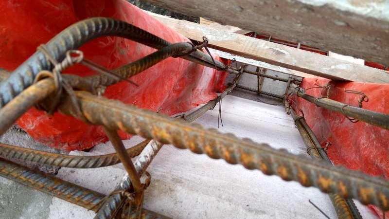Стыковка арматуры на монсардном этаже армопояса