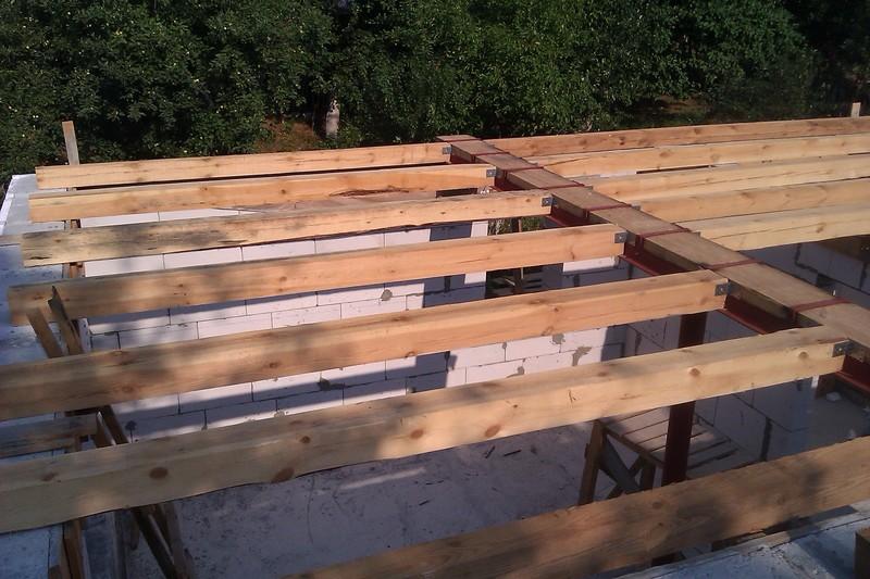 монтаж перекрытия второго этажа из дерева