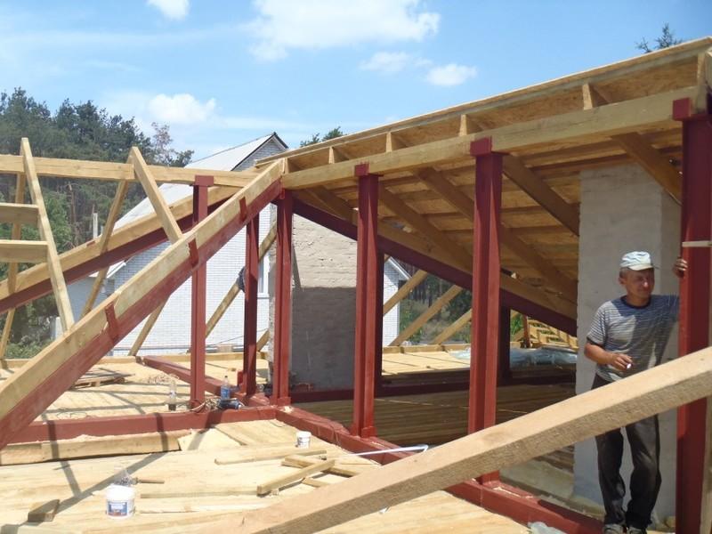 монтаж металлических опор для крыши