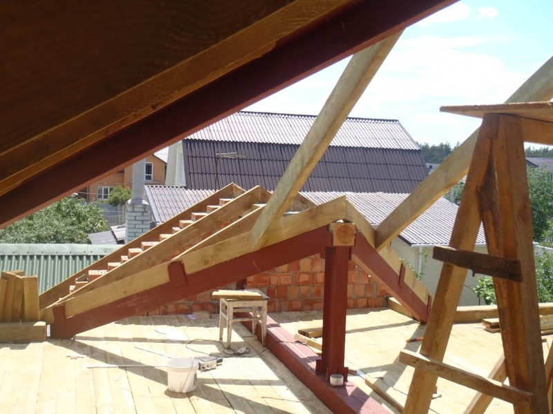 изготовление и монтаж металлические опор для крыши