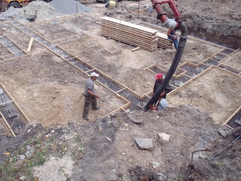 Заливка бетонном амопояса